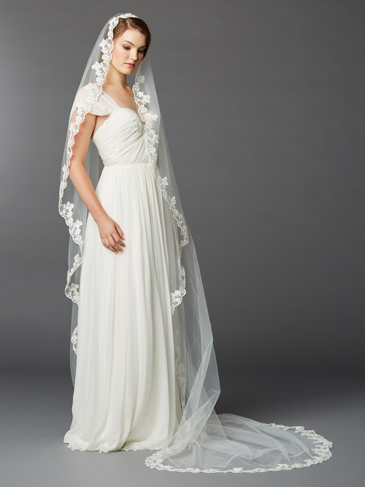 Paris Connection offers beautiful veils to match your wedding gown style